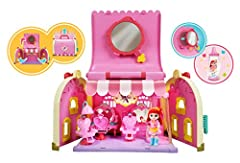 A vanity transformed into a beauty salon! Many beauty and hair accessories. Includes an articulated Ruby dressing table figurine. Compatible with Rainbow Ruby minifigures and game sets (sold separately) Carry your living room and accessories with you...
