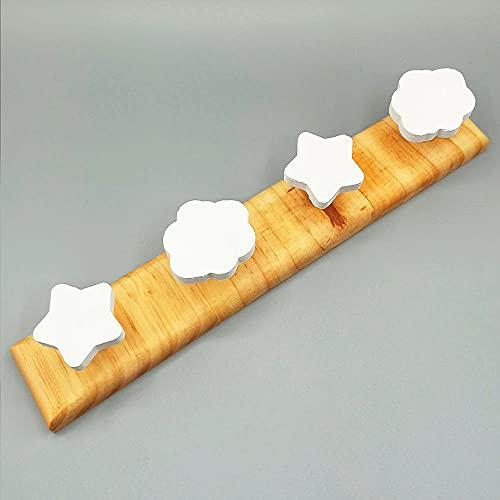 Perchero de pared de madera infantil HandMade.Colgador de pared de 4 ganchos con formas de nubes y estrellas.Madera de pino (Chiquicosas)