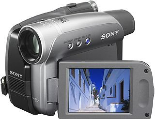 Sony DCR-HC27 Camcorder (miniDV, 20-Fach Opt Zoom, 6,4 cm (2,5 Zoll) Display)