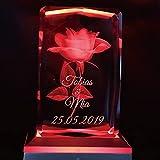 Smyla 3D Gravur Personalisiert Glas-Kristall Mit Namen und Datum | Geschenk mit Multi-Color LED in Premium Geschenkbox | Rosen-Motiv | Geschenk-Idee für Männer Frauen Partner Jahrestag