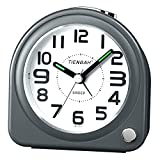 Analog Alarm Clock No Tick with Music Wake Snooze Light Function Battery-Powered 4-inch Travel Alarm Clock Suitable for Bedside Study Desk Hotel Simple Setting Suitable for The Elderly and Children