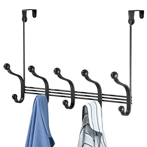mDesign Perchero de puerta colgante – Colgador para puerta con 10 ganchos – Cuelga ropa de metal para baño y pasillo – Para organizar armarios y guardarropas – negro mate