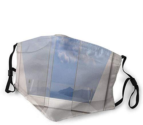Máscaras faciales, diseño minimalista futurista con vista al mar de la bahía y la orilla del océano con fotos perfectas para la boca