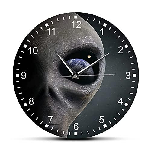xinxin Reloj de Pared Espacio Exterior Planeta Alien Reloj de Pared Extraterrestre Alien Mirando a la Tierra Reloj de Pared Moderno Reloj Colgante Platillo Hombre Gag Regalo