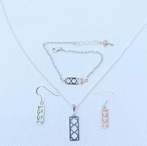 Conjunto de collar, pulsera y pendientes elaborado en plata de primera ley inspirado en los diseños de la Alhambra de Granada