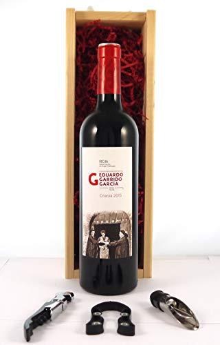 Rioja Crianza 2015 Eduardo Garrido en una caja de regalo forrada de seda con cuatro accesorios de vino, 1 x 750ml