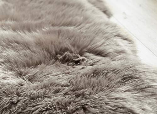 Yukon International Schaffell Teppich, ca. 90cm x 55cm, grau, echte Schafwolle, ökologischer Herstellung, Bettvorleger, Wohnaccessoire