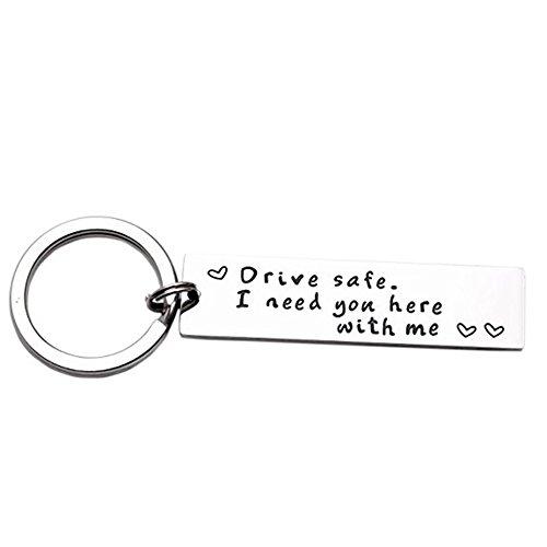 LParkin Drive Schlüsselanhänger I Need You Here with Me Trucker Ehemann Geschenk für Ehemann Papa Geschenk Valentinstag