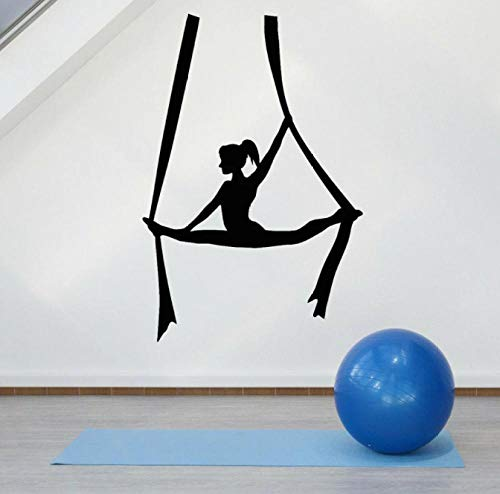 Calcomanía de pared Fly Aerial Yoga Balance Girl Center Meditación Vinilo Ventana Pegatinas Dormitorio de niñas Estudio de yoga Gimnasio Decoración de la pared 57x38 cm