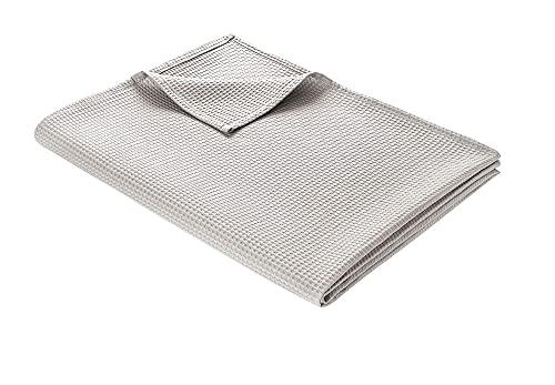 WOHNWOHL Tagesdecke 180 x 240 cm • Waffelpique leichte Sommerdecke aus 100prozent Baumwolle • Luftige Sofa-Decke vielseitig einsetzbar • Leicht zu pflegene Wohndecke • Baumwolldecke Farbe: Hellgrau