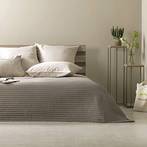 sei Design Luxus Tagesdecke, Überwurf, Wendedecke | Trendige Farbe, Moderne Steppung & Hochwertige Gestickte Applikation | 220 x 240 cm
