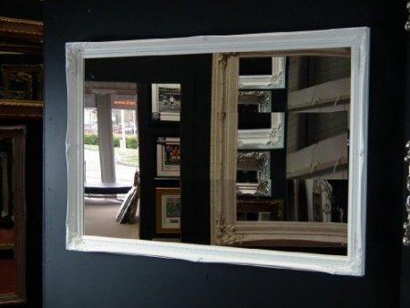 FRAMES BY POST Grande Specchio da Parete con Cornice Bianca in Stile Vintage, Dimensioni: 102 cm x 71 cm, Ornato in Stile Shabby Chic