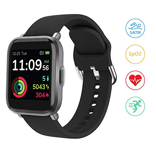 Smartwatch, YONMIG Fitness Uhr 18 Sportmodi 1.3 Zoll Touch-Farbdisplay Smart Watch mit Pulsoximeter Pulsuhr 5ATM Wasserdicht Sport Uhr Kompaß Schrittzähler Stoppuhr für iOS Android