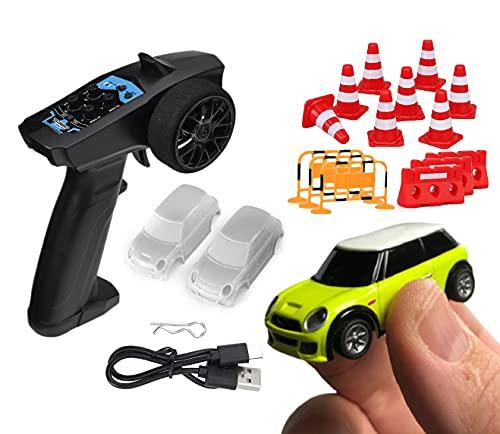 Mini Coche Radio Control Proporcional R/C Turbo Racing 1:76 Amarillo Coche Teledirigido 2,4Ghz + Set 62 Obstáculos