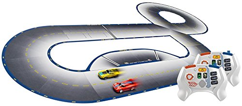 Hot Wheels FDY09 Ai Starter Kit 2.0 Street Racing, Auto Rennbahn Set mit 2 Smart Cars, 2 Controller und 22 Trackteile, ab 8 Jahren