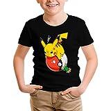 Photo de Okiwoki T-Shirt Enfant Garçon Noir Parodie Pokémon - Sasha et Pikachu - Revenge !! (T-Shirt Enfant de qualité Premium de Taille 11-12 Ans - imprimé en France)