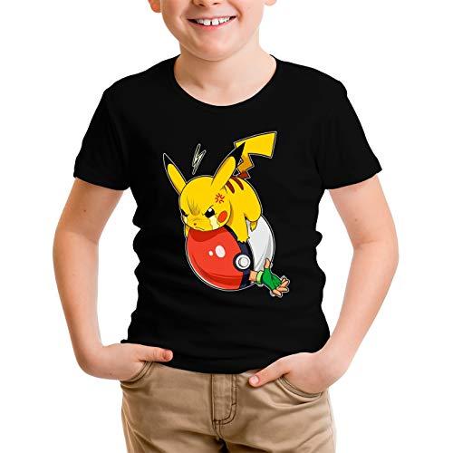 Okiwoki T-Shirt Enfant Garçon Noir Parodie Pokémon - Sasha et Pikachu - Revenge !! (T-Shirt Enfant de qualité Premium de Taille 7-8 Ans - imprimé en France)