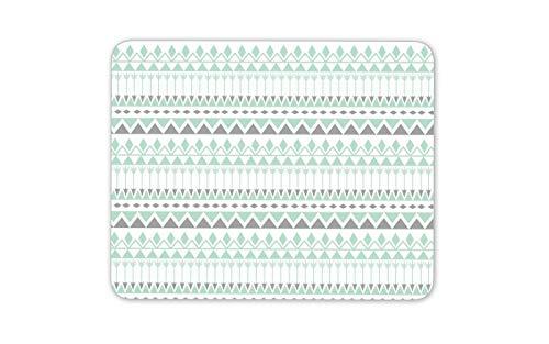 Una alfombra de ratón suave y flexible de 3mm de espesor. Dimensiones: 19,6 x 23.5 cm (3mm espesor). El material flexible y delgado significa que es muy portátil y cómodo de usar. Resistente a la decoloración y a los arañazos. Diseñado e impreso en e...