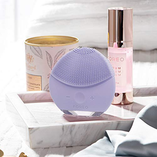 FOREO LUNA mini 2 Facial Cleansing Brush and Portable Skin Care device made with Ultra Hygienic Soft Silicone for Every Skin Type USB Rechargeable Lavender Plus 3