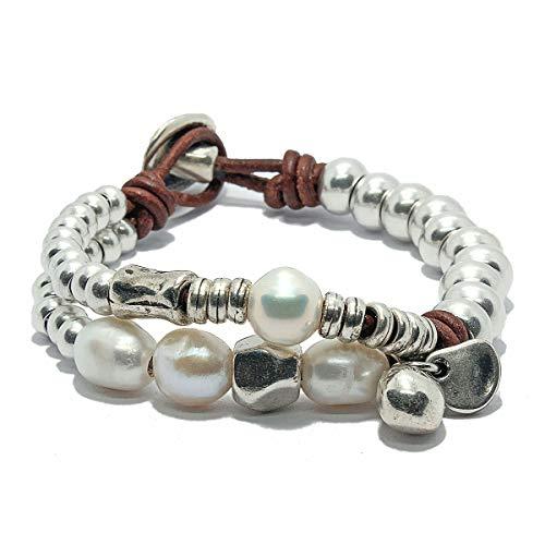 Pulsera hecha a mano con cuero y perlas de río natural de Intendenciajewels - Pulsera de perlas - Pulsera de cuero y abalorios - Regalo para mujer - Pulsera de cuero y perlas.