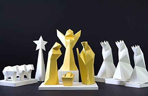 PaperShape 3D Weihnachts-Krippe aus Fotokarton 17-teilig Figuren als Adventskalender zum Basteln 30cm Made in Germany