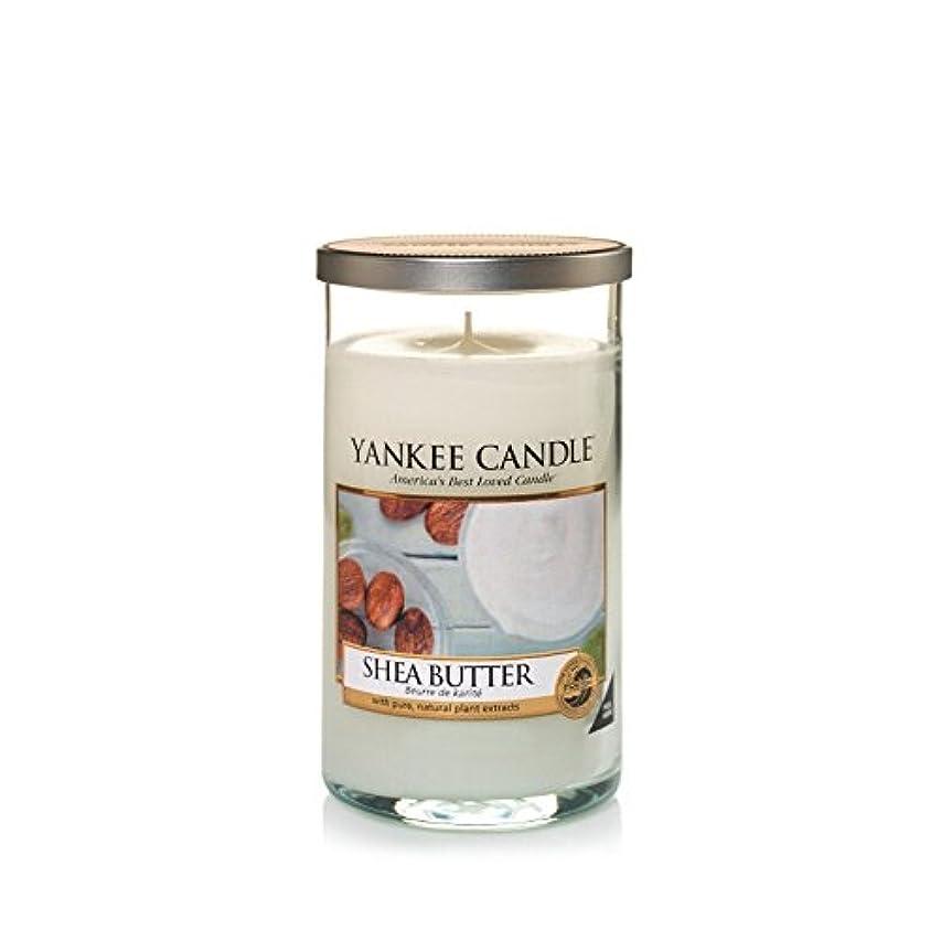 宿不定ヤギYankee Candles Medium Pillar Candle - Shea Butter (Pack of 6) - ヤンキーキャンドルメディアピラーキャンドル - シアバター (x6) [並行輸入品]