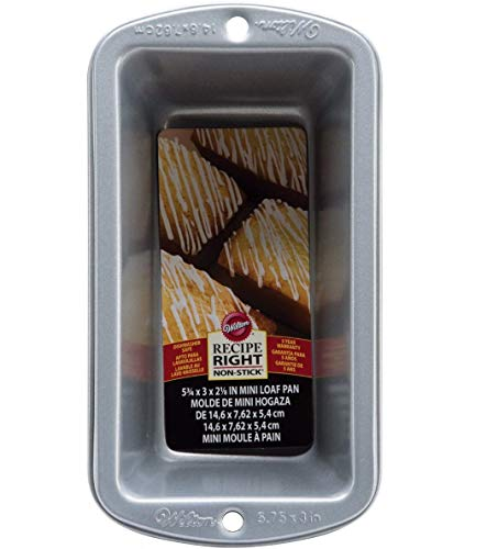 Wilton 2105-951 Recipe Right Non-Stick Large Loaf Pan 9-1/4 Inch x 5-1/4 Inch x 2-3/4 Inch 2-Pack