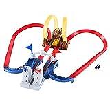 Hot Wheels Mario Kart Chaos au château de Bowser avec mini-véhicule inclus, coffret de jeu pour mini-voitures avec piste modulable, jouet pour enfant, GNM22