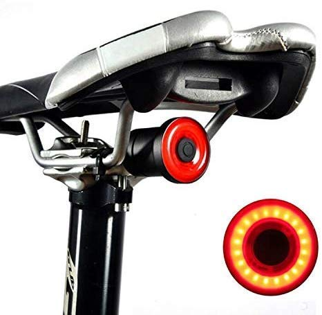 YunHui Intelligente Fahrradrücklichter mit Sattel- / Sitzhalterungen, USB wiederaufladbare Sicherheitshinter -High Intensity IPX6 Rennrad Licht Auto EIN/aus