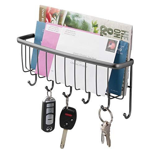 mDesign Soporte de pared de metal organizador de entrada, cesta organizadora de correo con 6 ganchos – carta, revista, chamarra, correa y soporte para llaves para entrada,...