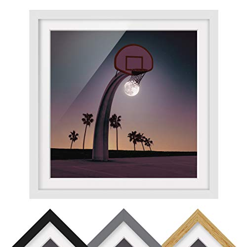Bild gerahmt Jonas Loose Basketball Mond Quadrat 1:1 Weiß Passepartout 70x70cm