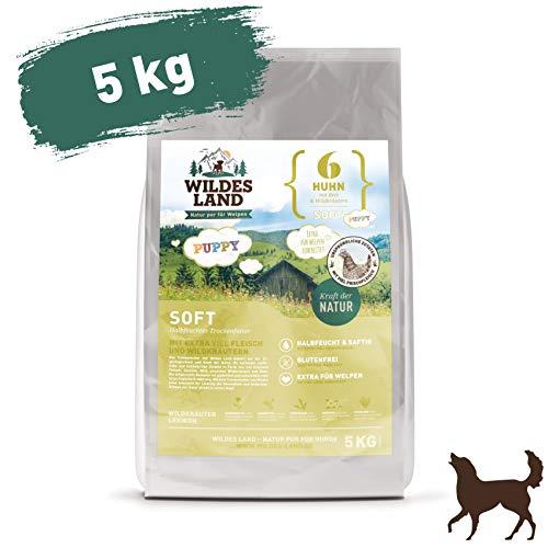 Wildes Land | Halbfeuchtes Trockenfutter für Hunde | Nr. 6 Puppy & Huhn | 5 kg | mit Reis und Wildkräutern | Glutenfrei | Extra viel Fleisch | Soft Beste Akzeptanz und Verträglichkeit