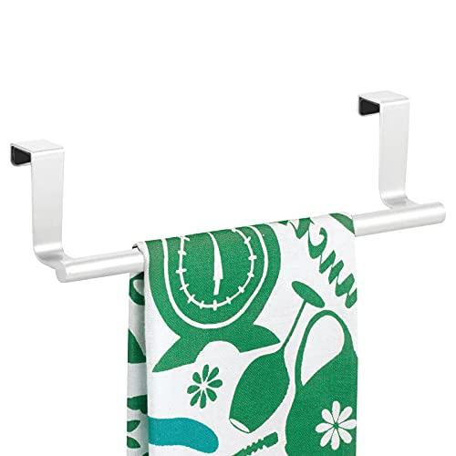 mDesign Barras para colgar paños de cocina – Colgadores de cocina para las puertas de los armarios – Toalleros de baño de metal – blanco mate