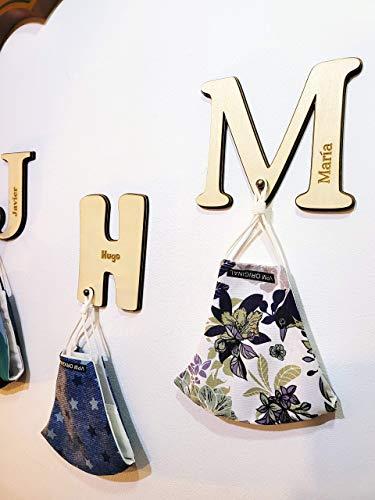 Letra colgador personalizada con nombre, fabricada 100% en madera MDF y abedul. Diseñado, vendido y enviado por VPM Original. 100% Producto español.