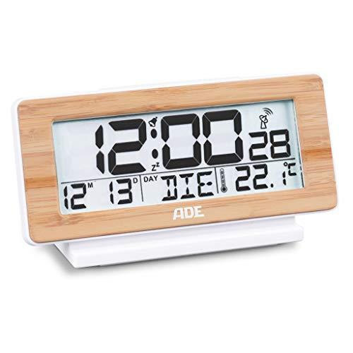 ADE CK1940 Funkwecker digital, Tischuhr Weiß/Bambus Holz, Wecker batteriebetrieben, Display-Beleuchtung, Temperatur-Anzeige, 4 x 16.6 x 8.7 cm
