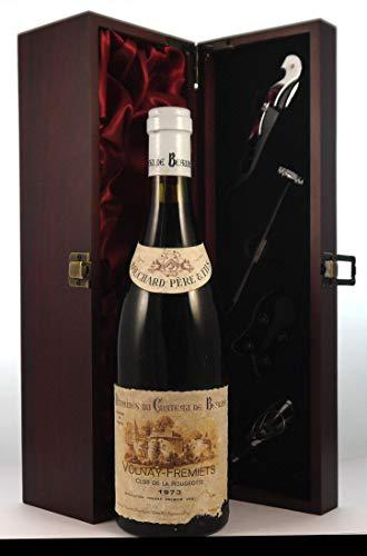 Volnay Fremiets 'Clos de la Rougeotte' 1973 Bouchard Pere & Fils en una caja de regalo forrada de seda con cuatro accesorios de vino, 1 x 750ml