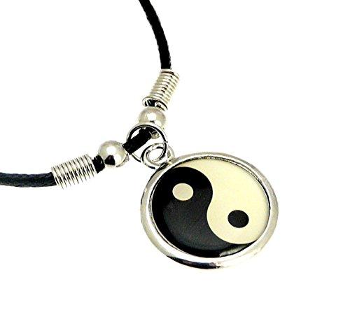 Benerini - Collana con ciondolo a forma di simbolo Yin Yang, in metallo, lunghezza circa 42 cm