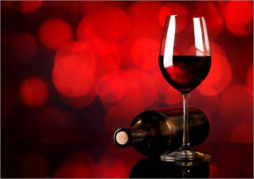 Posterlounge Leinwandbild 130 x 100 cm: Rotwein im Weinglas und Flasche von Editors Choice -...