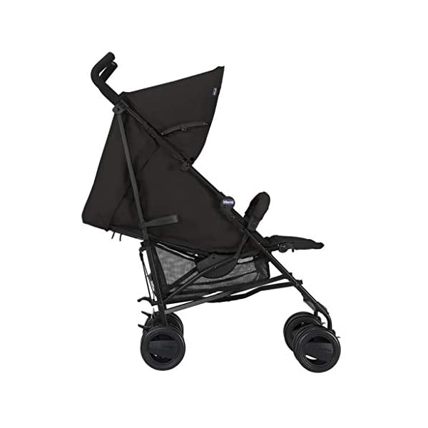 Passeggini 4 Ruote Chicco 00.79258.640 Passeggino London Up Blue Chicco Easy and agile, that's the motto of london up. for comfortable driving in the busy city this buggy is ideal. Recommended from birth to 15 kg body weight The backrest is 4-way adjustable - with only 1 hand. 7