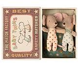 Maileg Twins Baby Mouse - Muñeca gemelos, en una caja de cuna