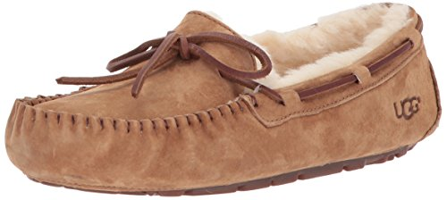 UGG Women's Dakota Moccasin, CHESTNUT, 7 B US