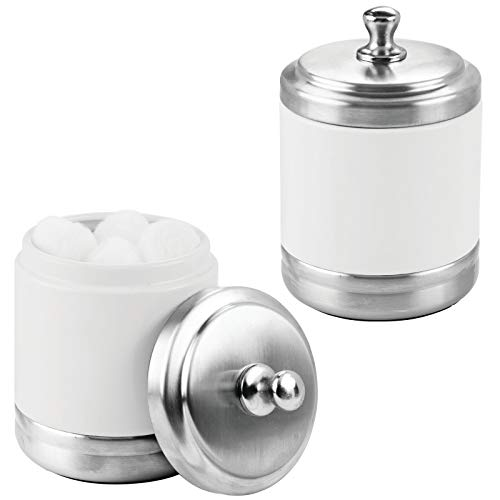 mDesign Juego de 2 algodoneros con Tapa – Práctico Organizador de cosméticos para Discos de algodón – Elegante contenedor de Metal para Bolas de algodón y bastoncillos – Blanco Mate/Plateado
