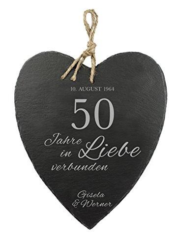Casa Vivente Großes Schieferherz mit Gravur zur Goldenen Hochzeit - Personalisiert mit [Namen] und [Datum] - 50 Jahre in Liebe verbunden - Aufhängen mit Jute-Band - 23 cm x 27 cm x 0,66 cm