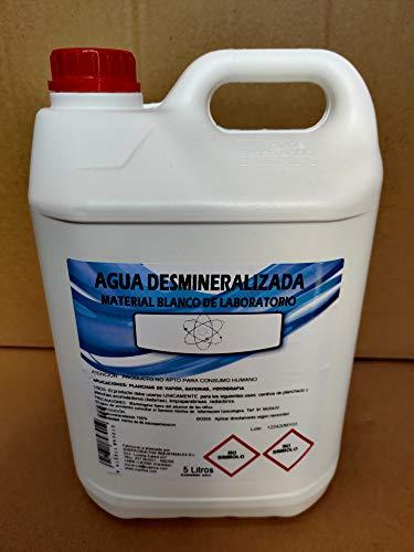 Agua desmineralizada 15 litros (3 garrafas de 5 litros), para