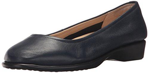 Hush Puppies Women's Tabee Hyatisse Slip-On Loafer, Black, 9 3E