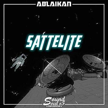 Sattelite (feat. Apollo IV)