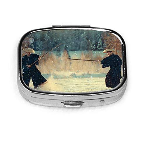 Way Of The Warrior Samurai Cold Winter D Portapillole con 2 componenti Portapillole vitaminico portatile in metallo per tasca, borsa, quotidiano N