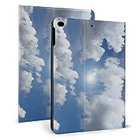KUKUYE 青い天国 雲 アイディア iPad mini4 ケース ペンホルダー付き オートスリープ レザー カバー アイパッドミニ4 スタンド機能付き ビジネス 在宅 おしゃれ 男女 兼用