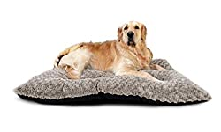 COMFORT FOR YOUR PET - Provide your pet with the ultimate comfort when laying down. Works great as a stand alone pet bed or place inside a crate/cage for the ideal comfort. FOR MEDIUM TO LARGE BREEDS - The dimensions of this ultra soft bed is compati...