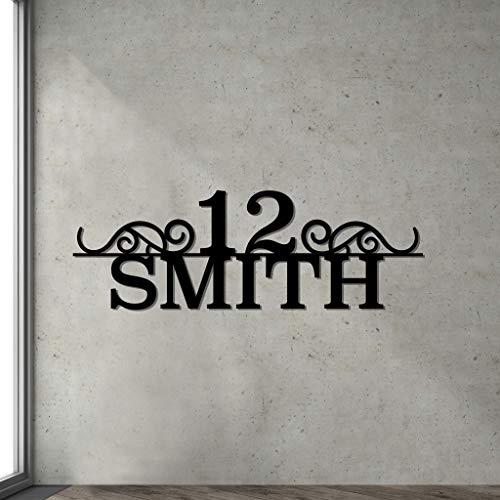 Hausschild mit Namen - Personalisiertes Metall Schild für die Hauswand. Adresse oder Name mit Nummer. Stylishe Wanddekoration.